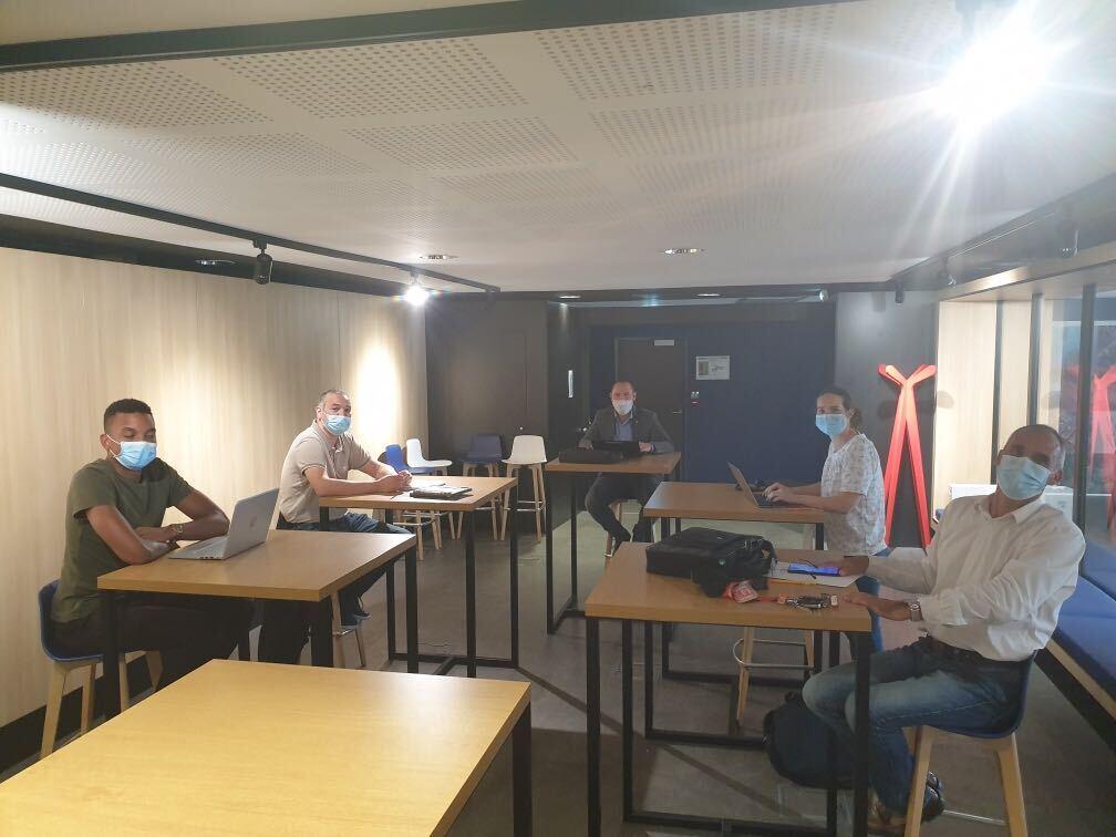 Photo de la réunion de lancement du projet HLM